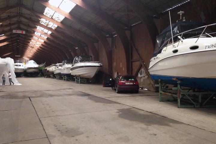 Bootshalle Boot winterfest machen