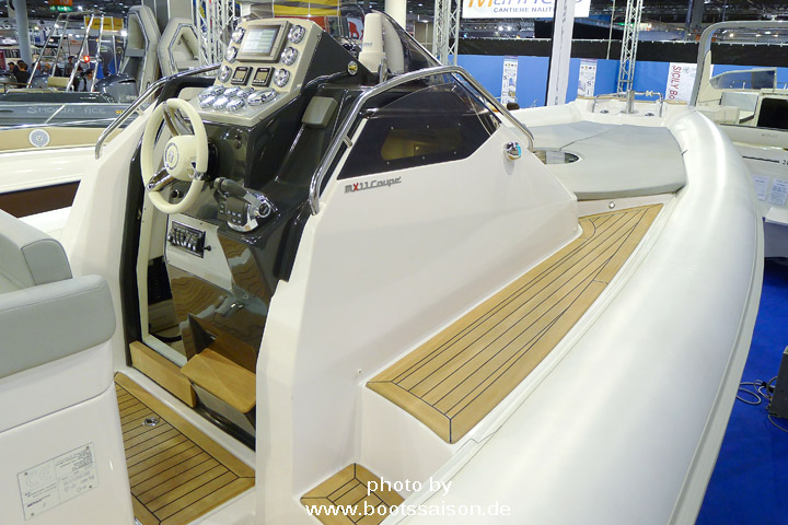 Edles Schlauchboot SX11 Coupé - RIB mit Kabine und Innenborder
