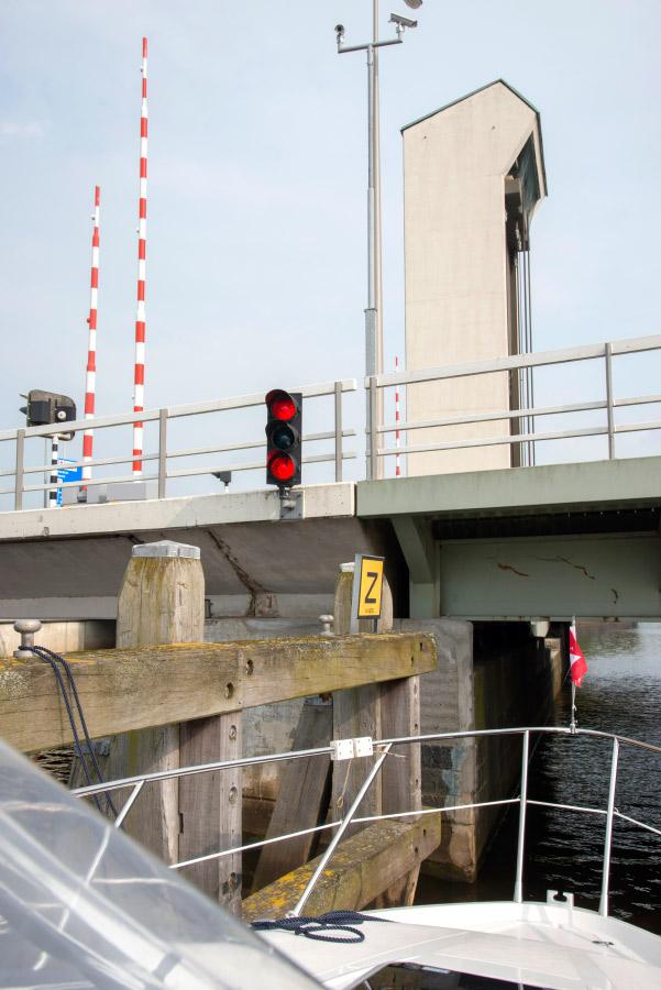 Zwolle - kreatives Festmachen vor beweglicher Brücke