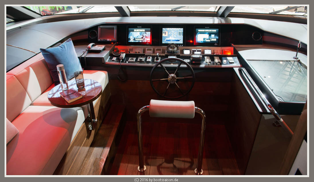 princess yachts Helm