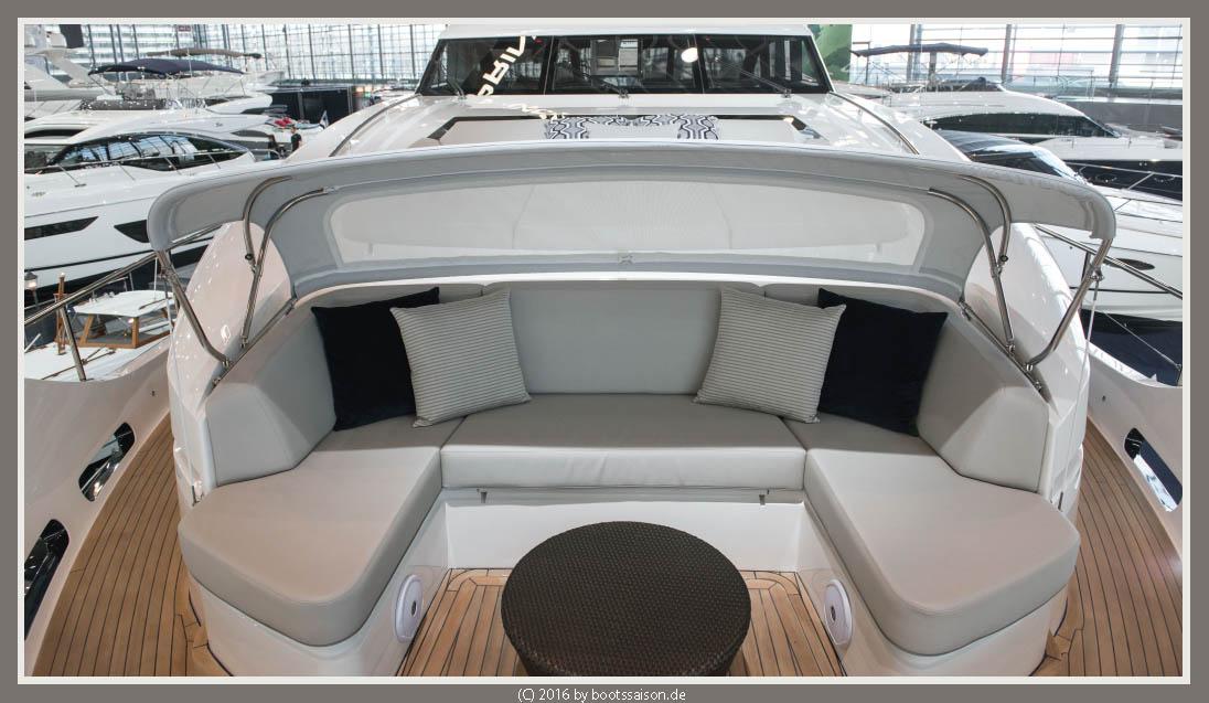 princess yachts Bug-Sitzecke