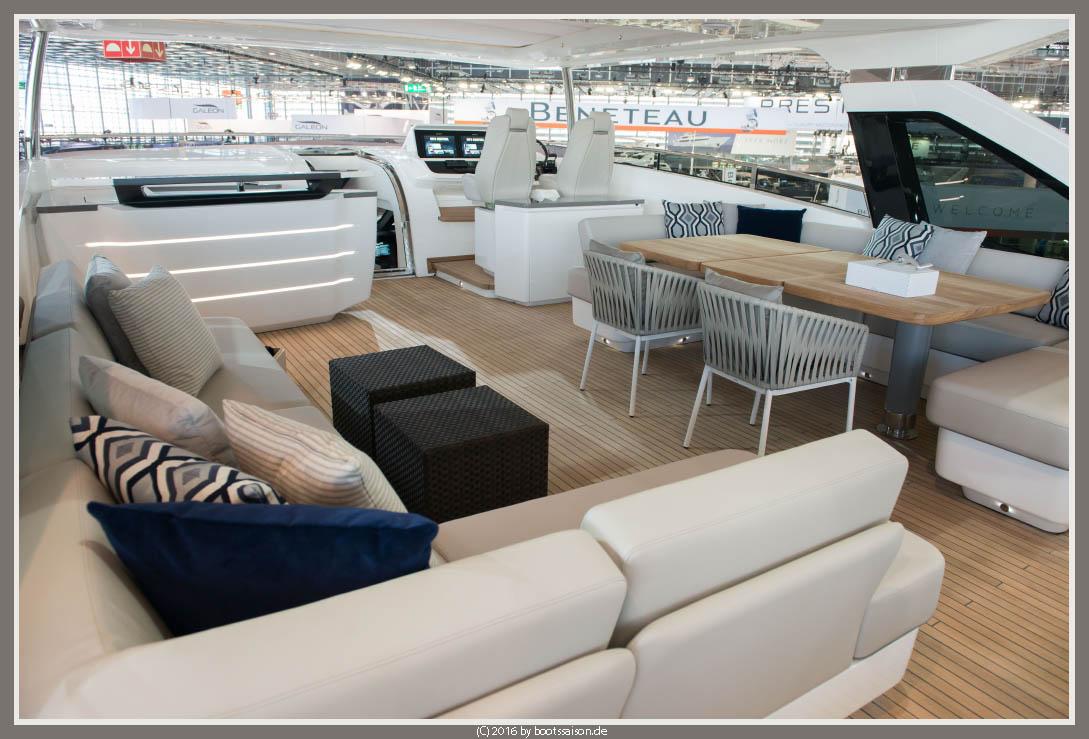 princess yachts Flybridge