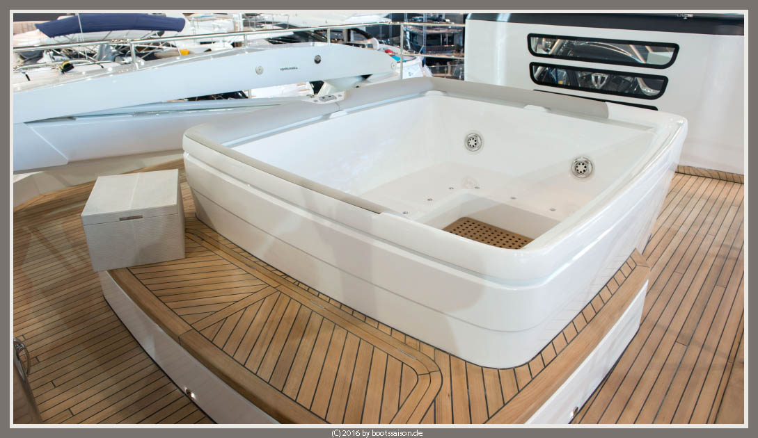 princess yachts Fly Whirlpool