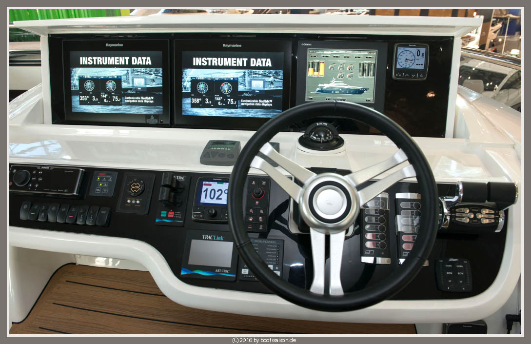 princess yachts Helm Fly