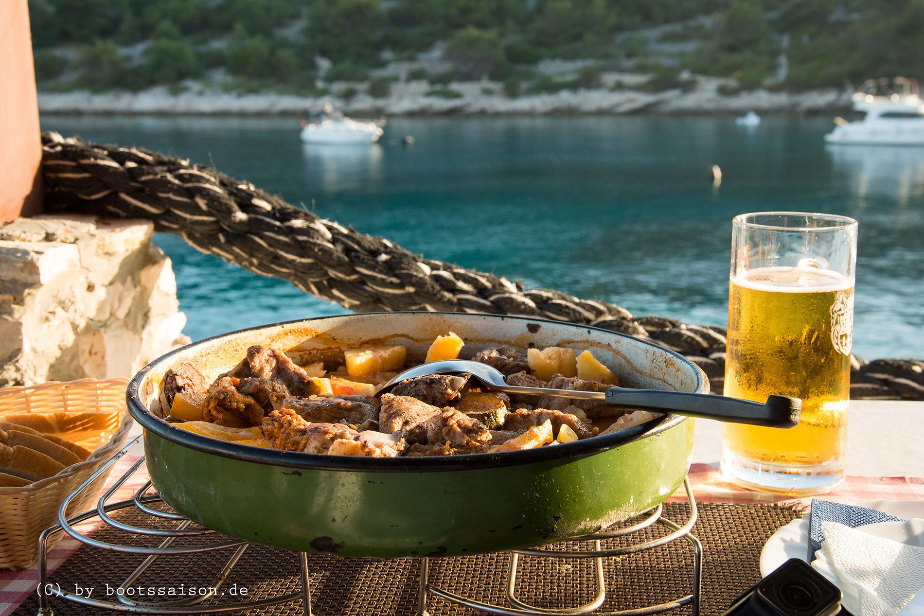 Peka, eine Spezialität aus Dalmatien